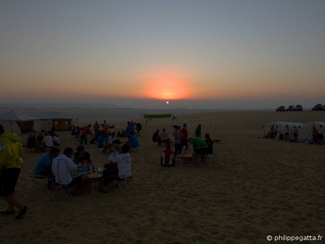 Sahara race: sunrise on the camp 3 (� P. Gatta)