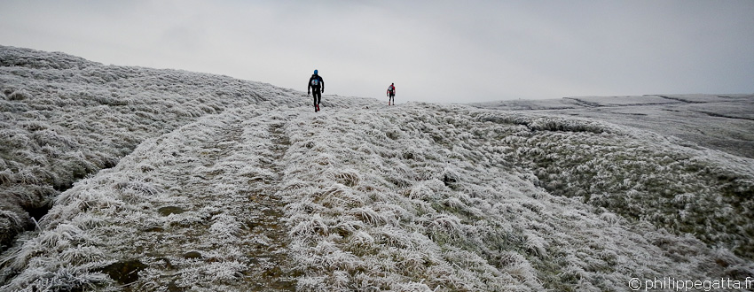 Spine Challenger: 174 km winter Ultra-trail, UK (� P. Gatta)