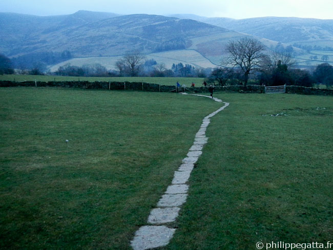 Start of the Spine at Edale (� P. Gatta)