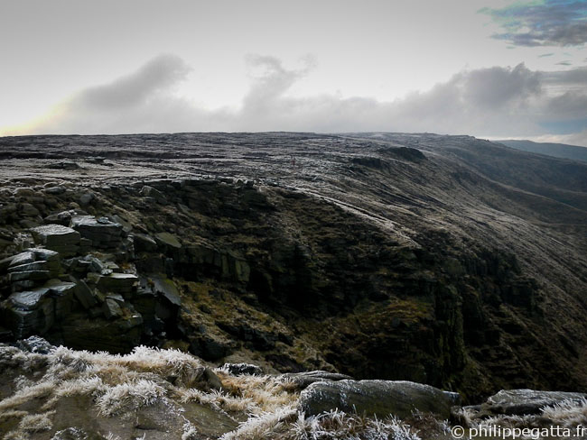 Spine : Kinder downfall (© P. Gatta)