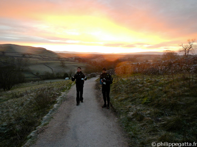 Spine: sunrise after Malham (� P. Gatta)