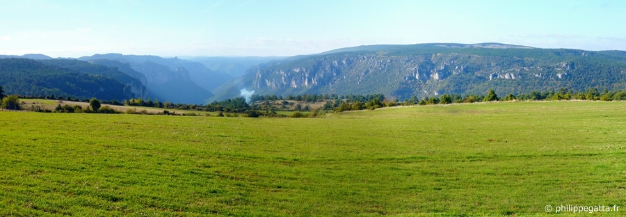 View over the Gorges du Tarn from Bruel at 48th km (© P. Gatta)