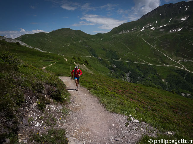 TMB: Descent from Col de Balme (© A. Gatta)