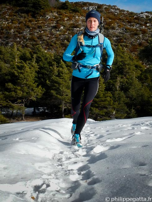 Anna in the last 150m toward Mont Vial (© Philippe Gatta)