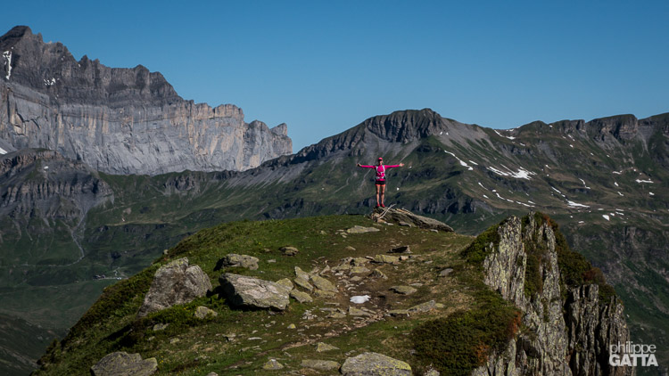 Trail around Aiguilles Rouges, Fiz and Anterne in the background  (© P. Gatta)