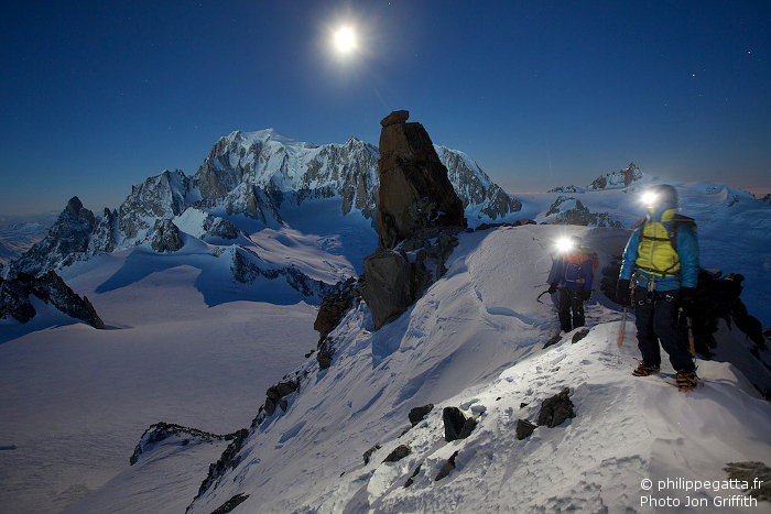 Anna and Philippe on the top of the Couloir under the full moon (Photo J. Griffith)