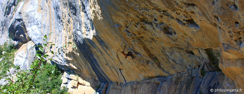 Climbing in France, Ceuse (© P. Gatta)