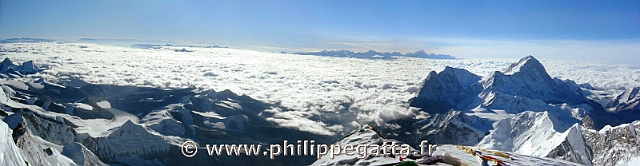 Panorama from top of Everest (© P. Gatta)