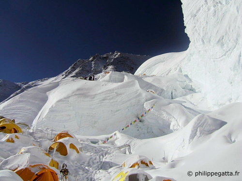 Our tents at Everest North Col. (© P. Gatta)